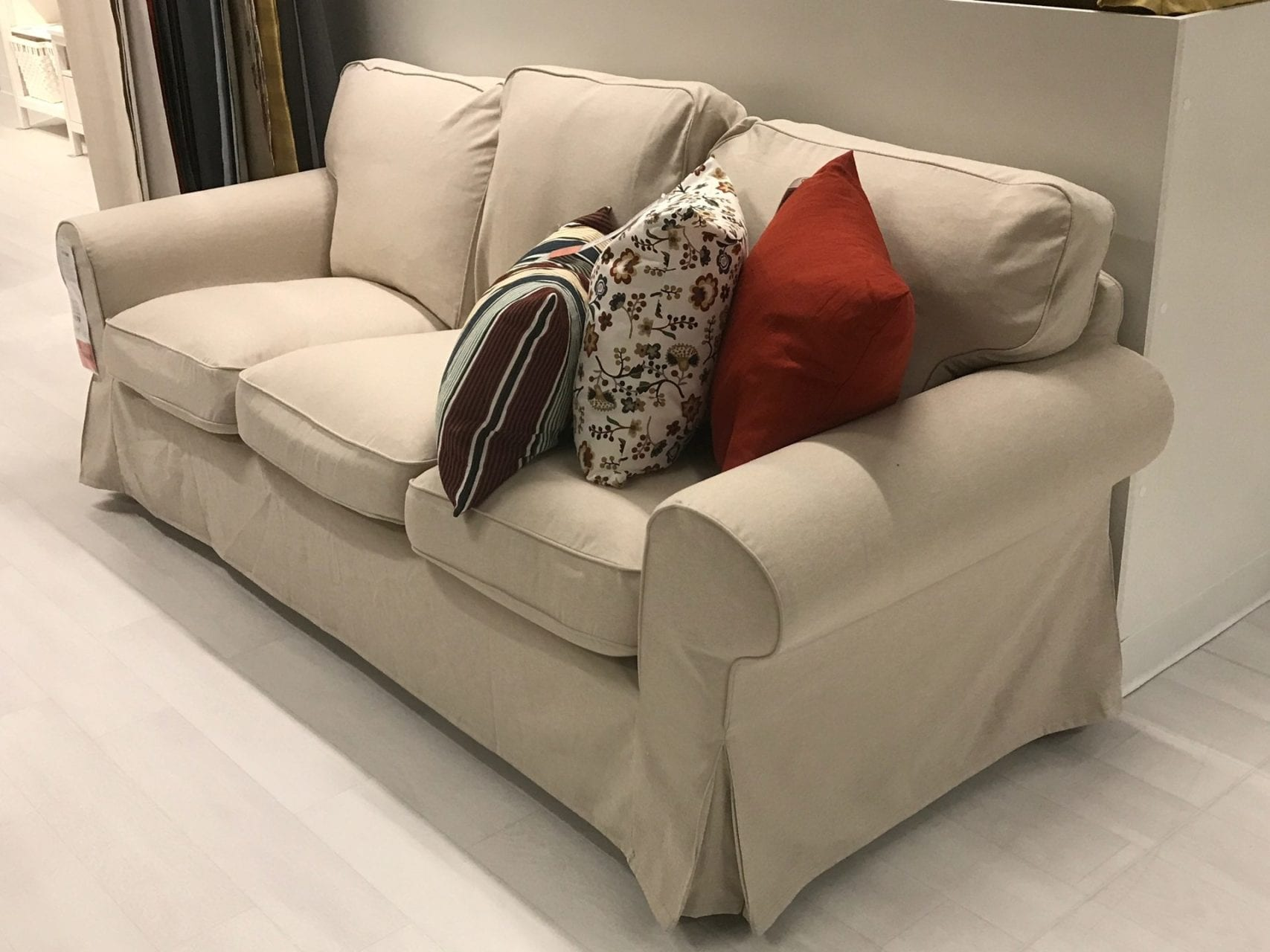 Free sofas give away free giveaway sofa bed canoga park for Ikea free couch giveaway