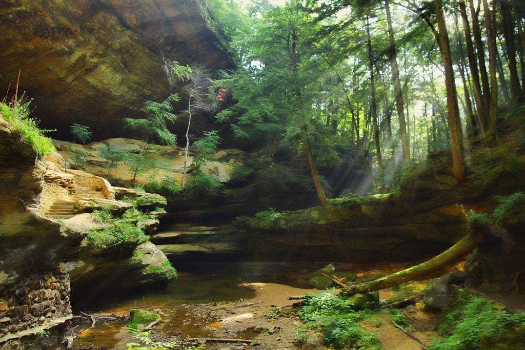 Old Man S Cave General Store : Ohio underground explore these breathtaking caves in