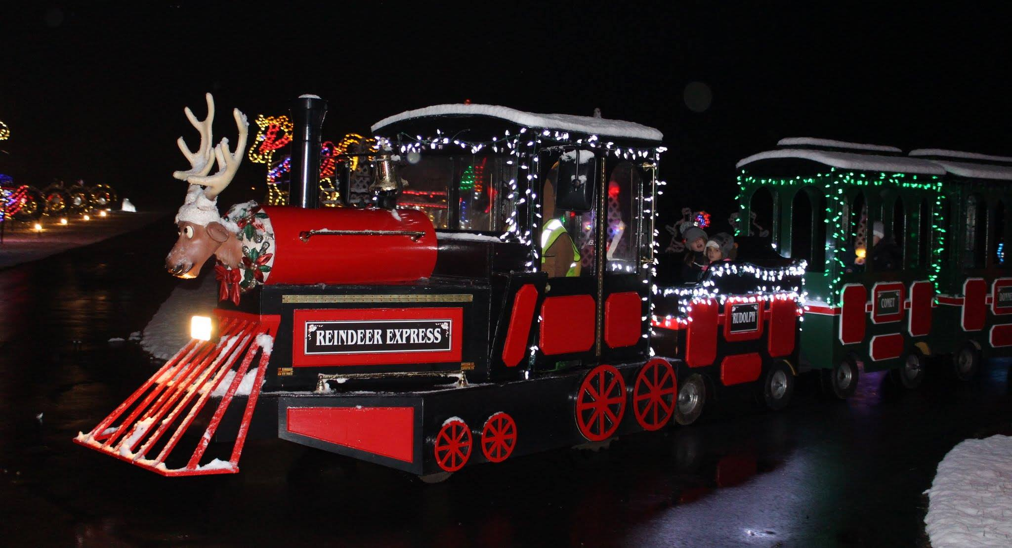 Christmas Ranch Morrow Ohio.7 Magical Christmas Towns Villages In Ohio